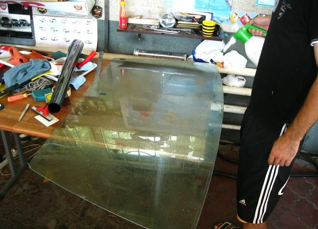 Как затонировать стекло в шкафу своими руками 96