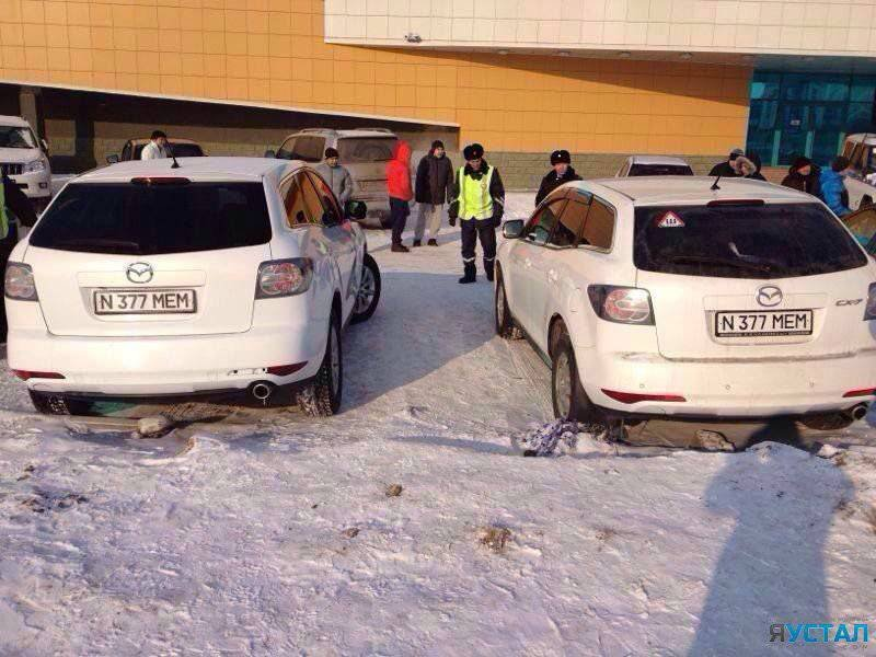 Два авто с одинаковыми гос номерами обнаружили в Астане