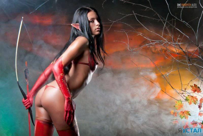 eroticheskie-kosplei-video-igr-starie-s-molodimi-seks-video
