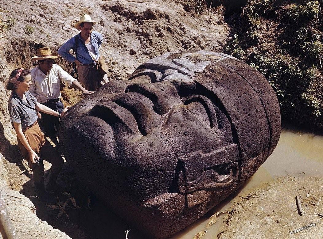 Фото артефактов на земле