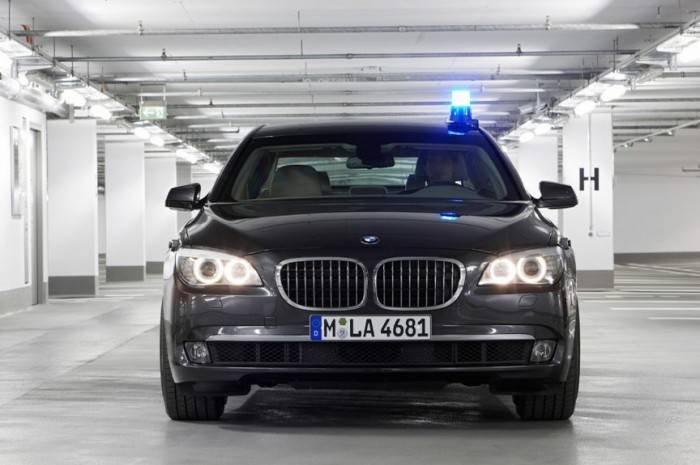 1444972809 10 samyh bronirovannyh avtomobiley premium klassa 3