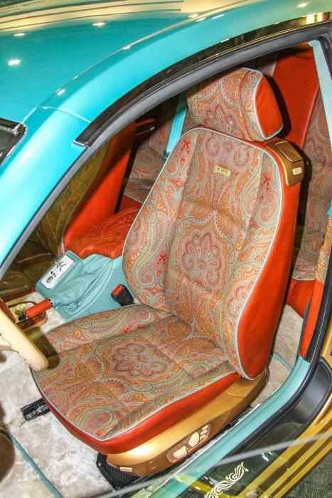 1447222038 na avtosalone v dubae predstavili rossiyskiy avtomobil bilenkin vintage 12