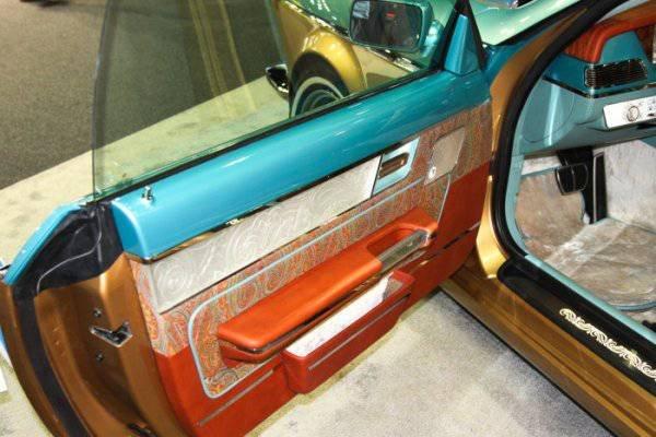 1447222094 na avtosalone v dubae predstavili rossiyskiy avtomobil bilenkin vintage 8