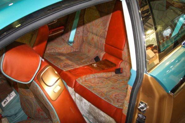 1447222119 na avtosalone v dubae predstavili rossiyskiy avtomobil bilenkin vintage 13