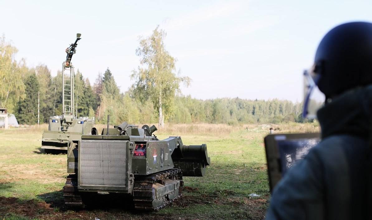 1455086698 rossiyskie boevye roboty uran 11
