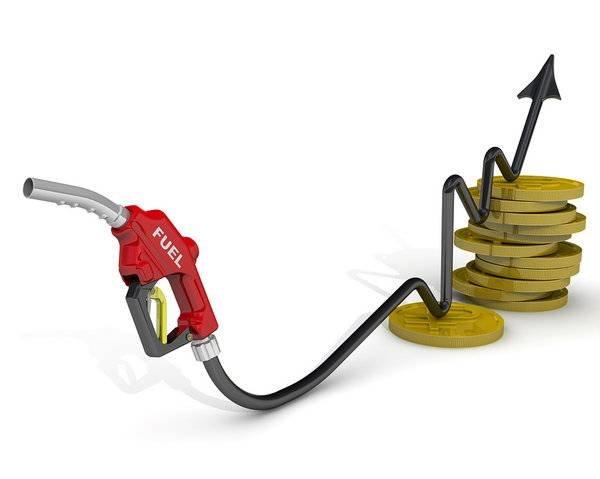 «Лукойл» уже сейчас хотят продавать бензин по 40 рублей