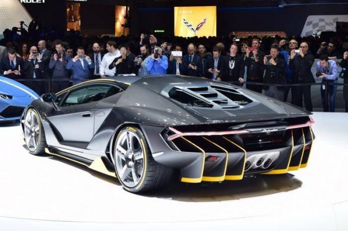 Lamborghini представила новый суперкар Centenario LP770-4