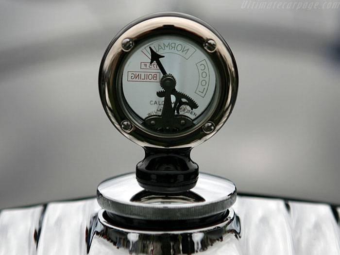 1458540513 yarkie predstaviteli pozdnego antichnogo stilya avtomobili s ochen bolshim kapotami 21
