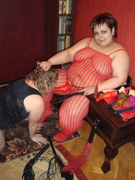 Трахается жопу фото жирных женщин извращенок фото половых женских
