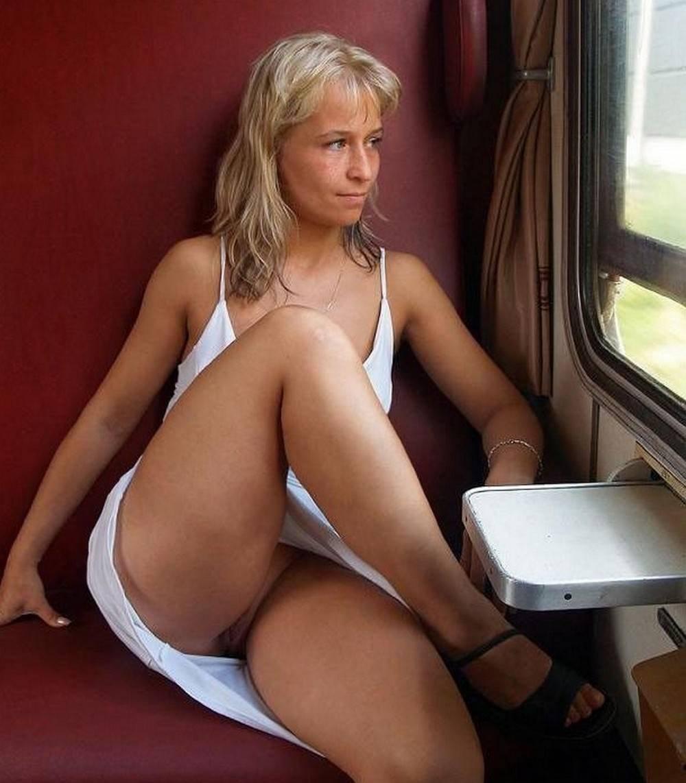 фото подглядели в поезде за девками без трусов свидетельства, аттестаты