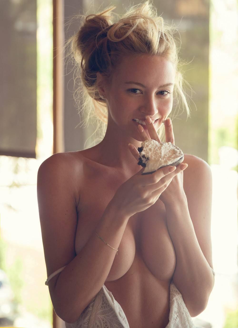 Bryana Holly Bezlaj Porn Pics
