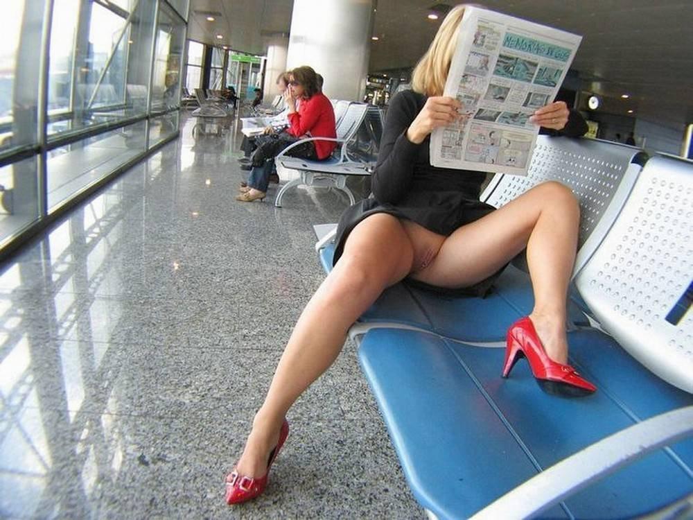 потом поняла, женщины в автобусах в коротких юбках и без трусов пойдёшь мыться