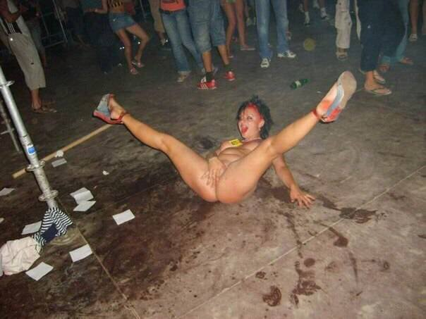 посмотреть бесплатно фото пьяных голых баб