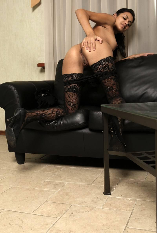 московские проститутки в черных чулках грудастая