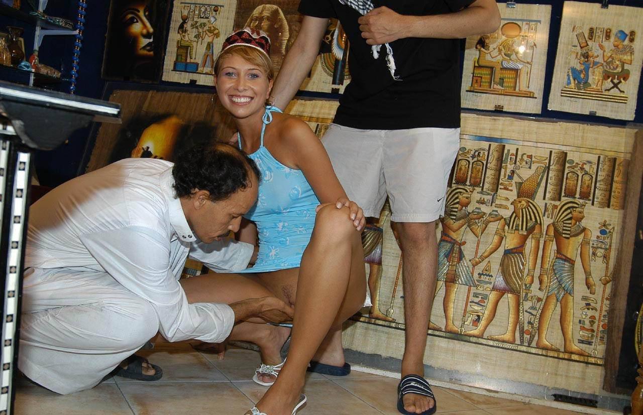 Проиграла как имеют русских девушек в египте порно
