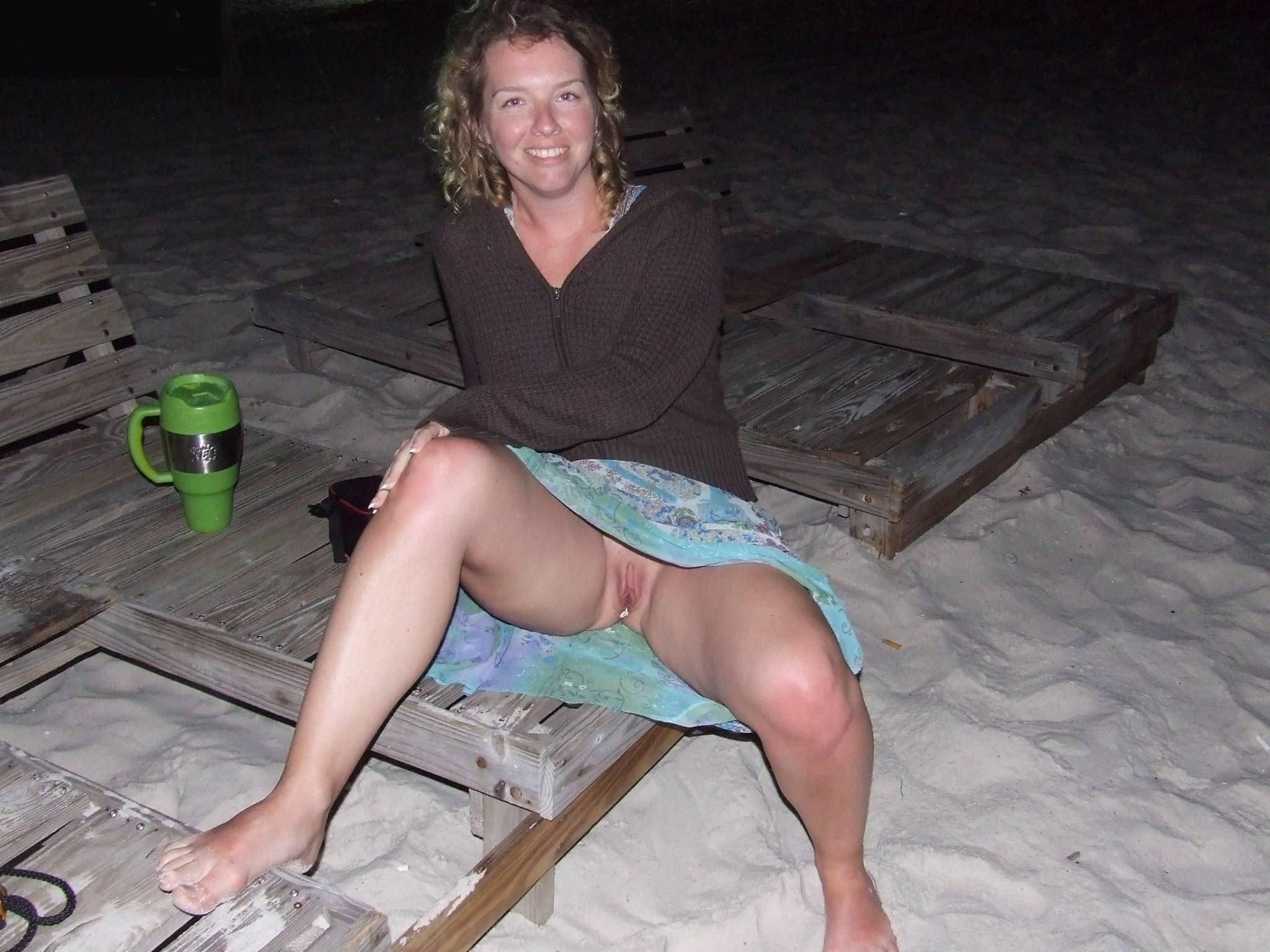 Пьяная женщина без трусов фото, Спящие пьяные девушки (150 фото голых девок.) 1 фотография