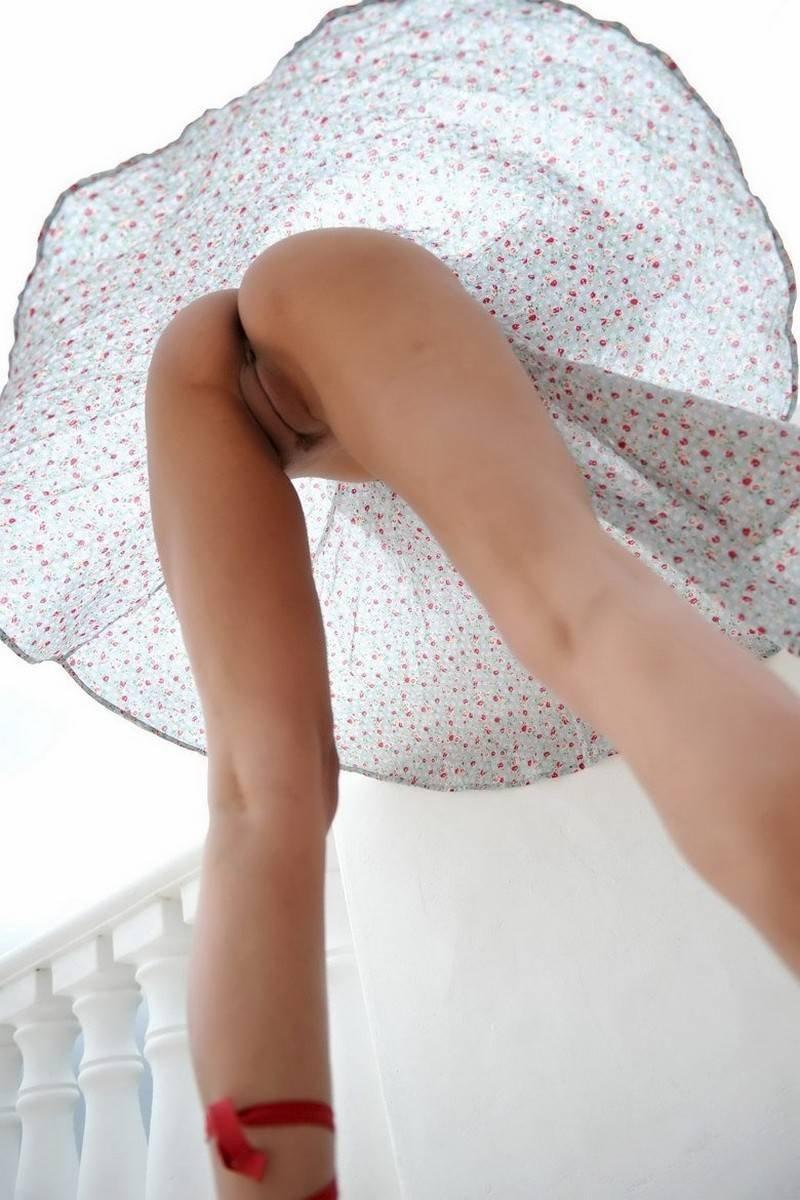 Платьем под видео писи