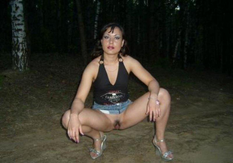 Без трусов проститутка русская