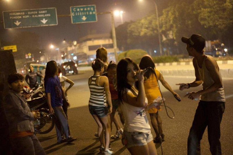 Проституция в индонезии