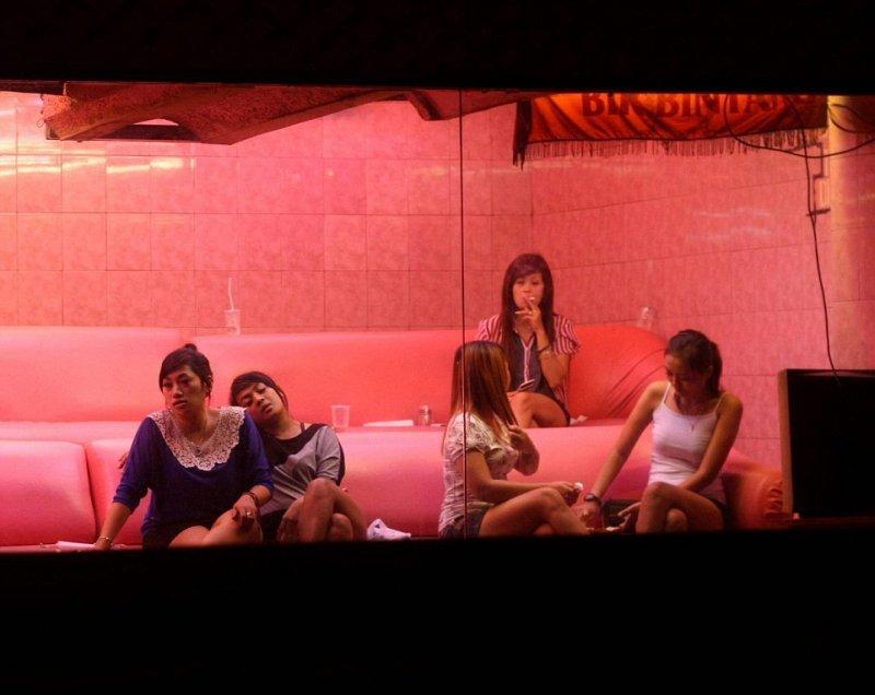 Индонезии проститутсия в