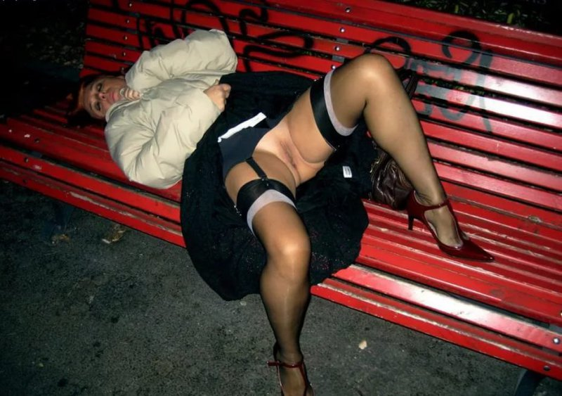 без видео улице трусов на пьяные девушки