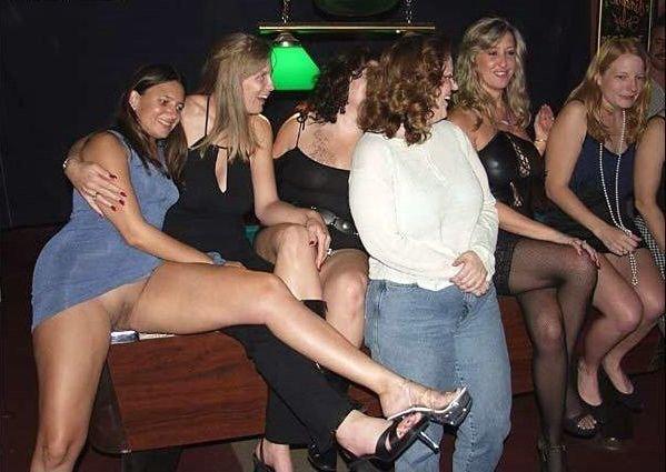 И в ночном клубе без трусов частное
