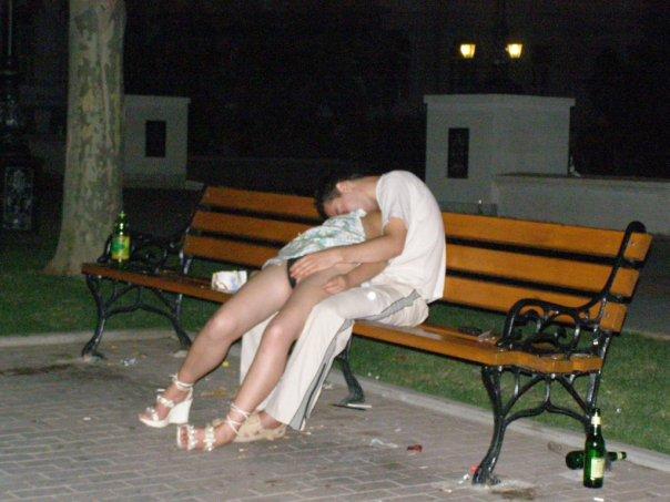 В Девушек Под Юбкой Фото Пьяных