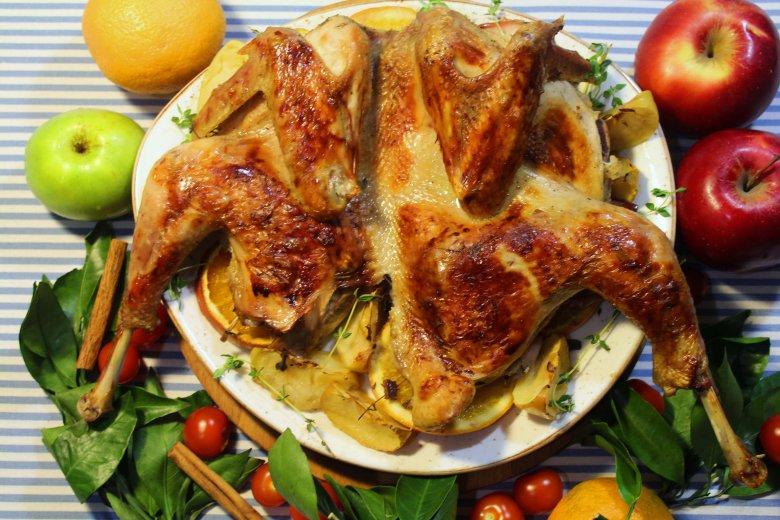 Приготовление утки с яблоками и апельсинами