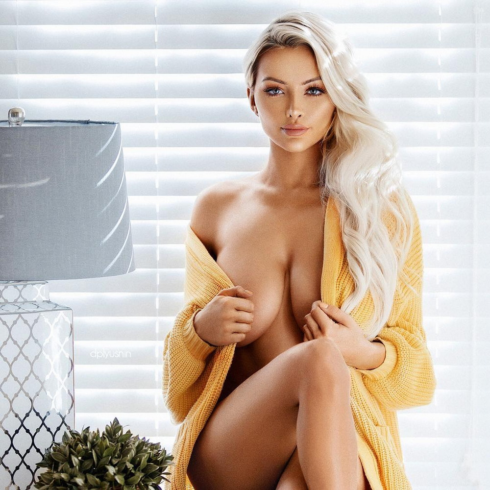 одним фото горячих грудастых блондинок так увлекся