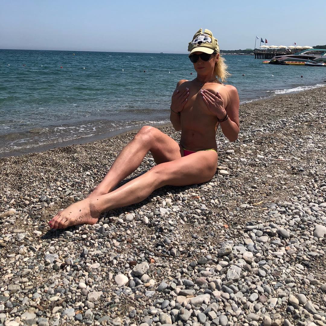 Голый отдых фото пляж моему