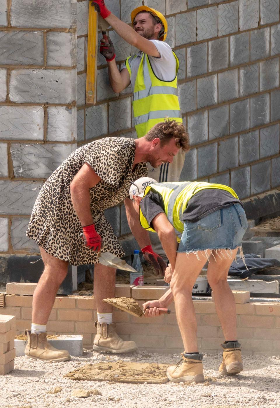 Прикольные фото со строителями
