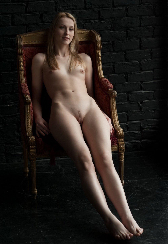 naked-premier
