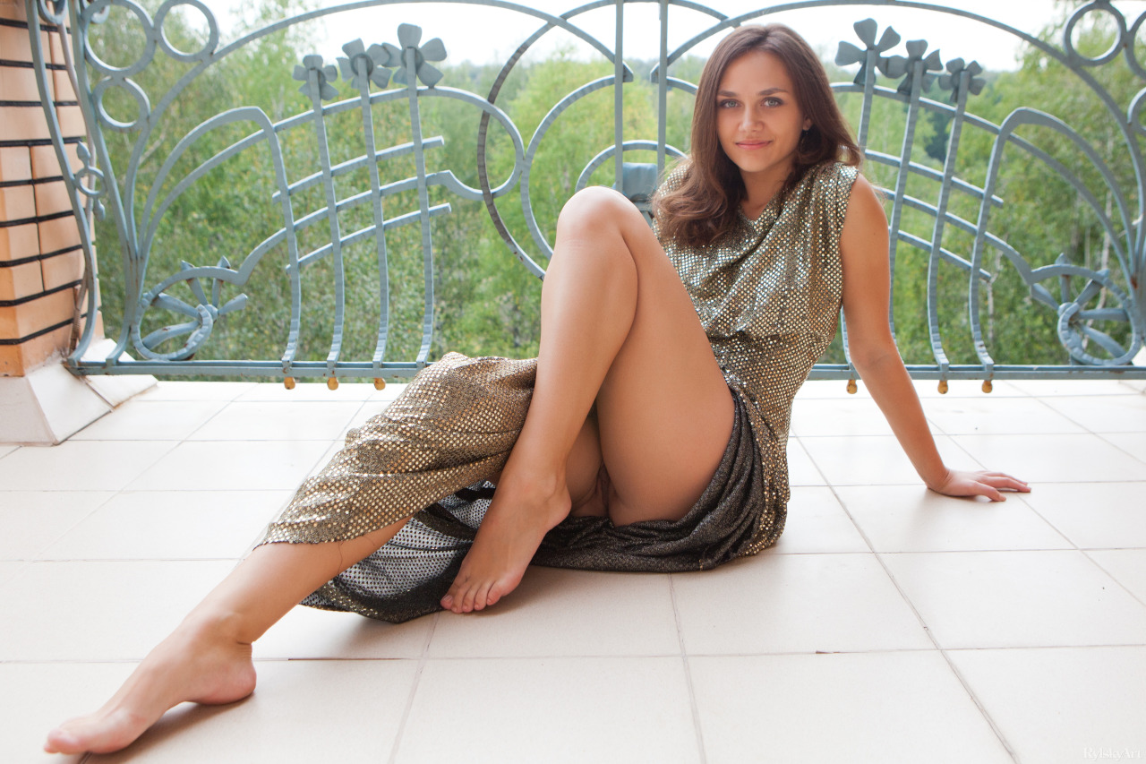 Фото вечерних платьях и без трусов — photo 2