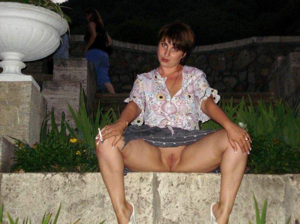 Фото пожилые русские бабы без трусов порно большие
