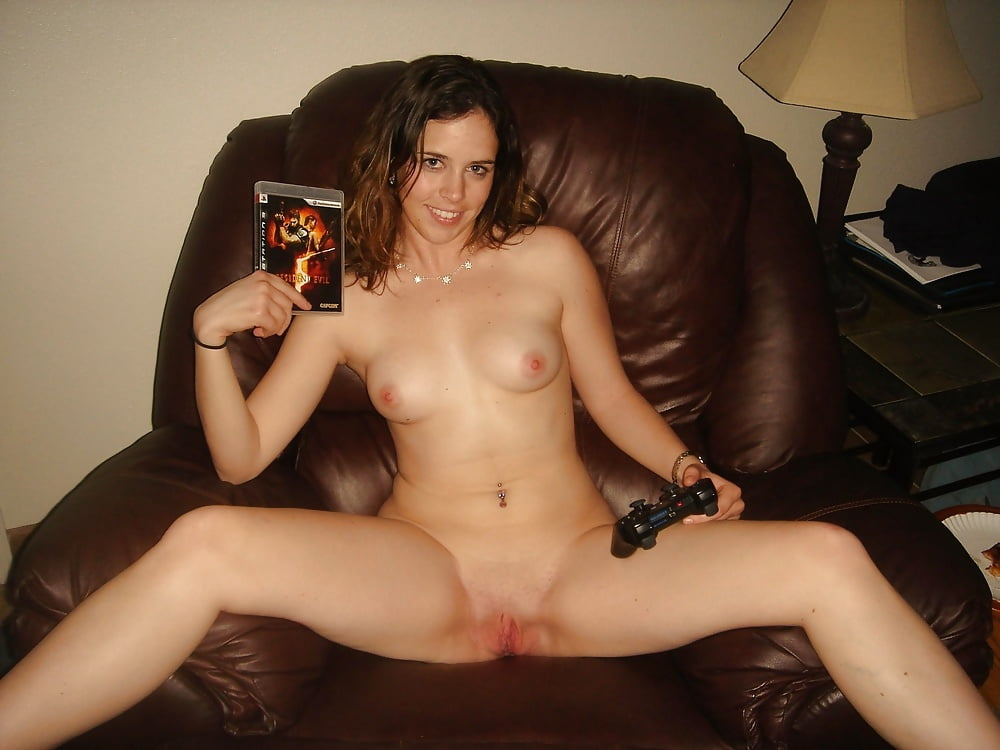 Dark haired girlfriend nude — 9