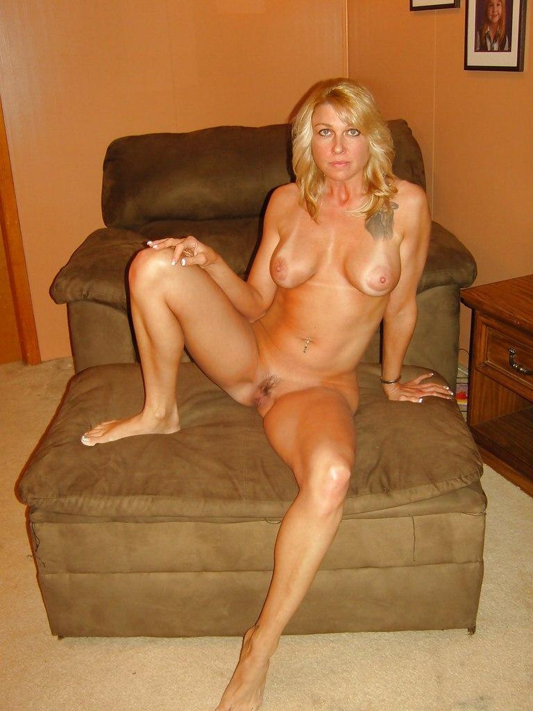 Sexy amateur milf porn