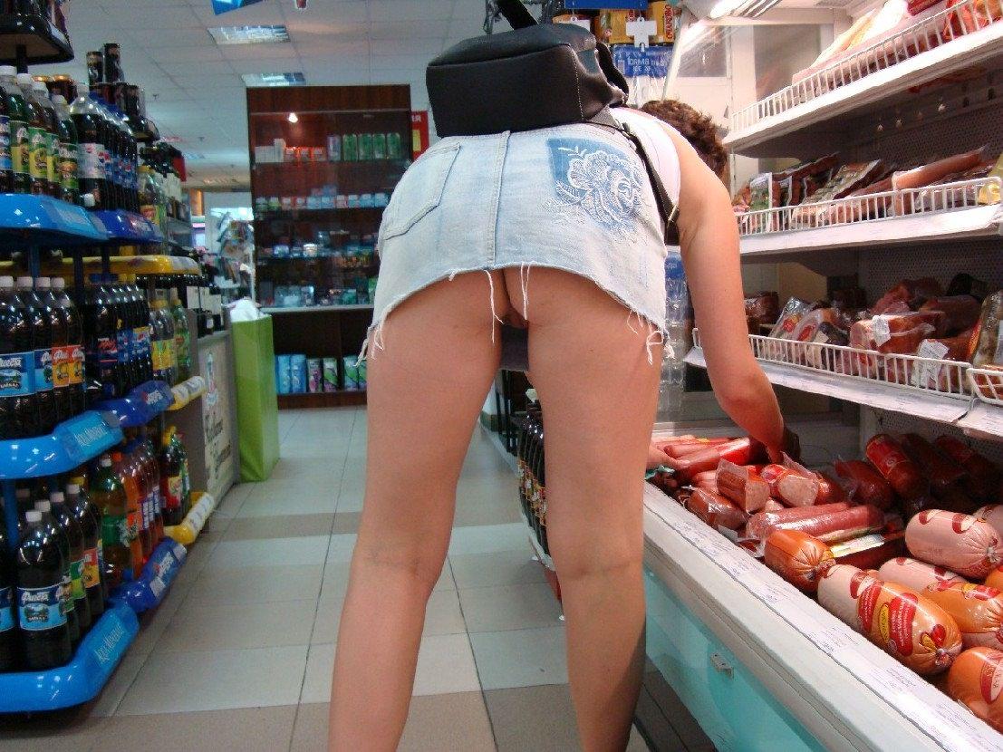 smotrit-kak-video-zasvet-trusov-v-supermarkete