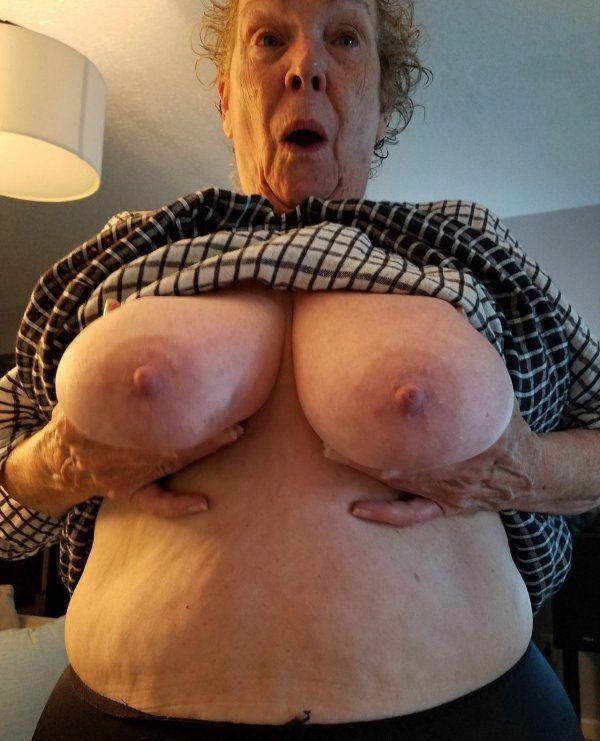 Видео большегрудых старушек — 4