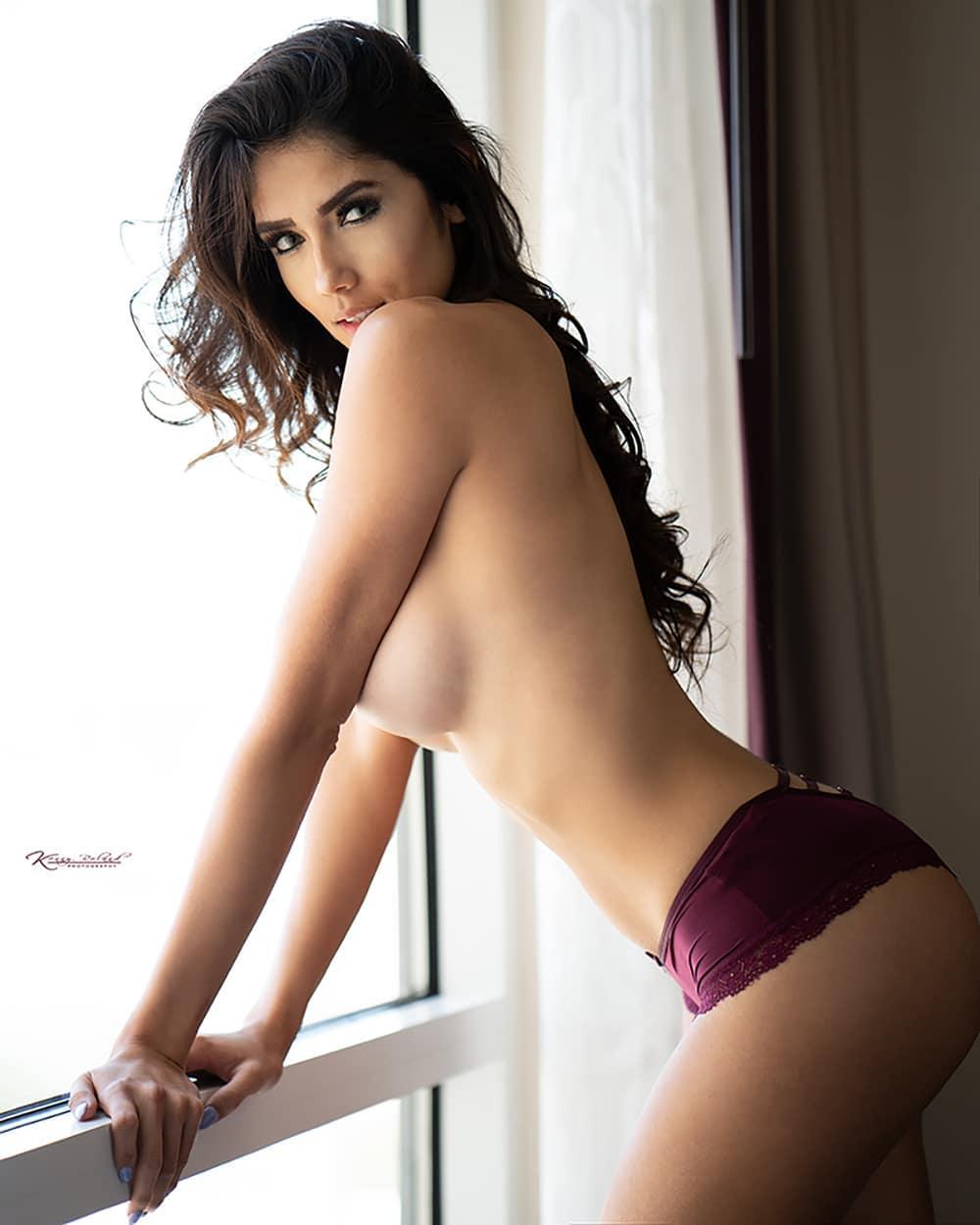 Ms Diana Vazquez Nude
