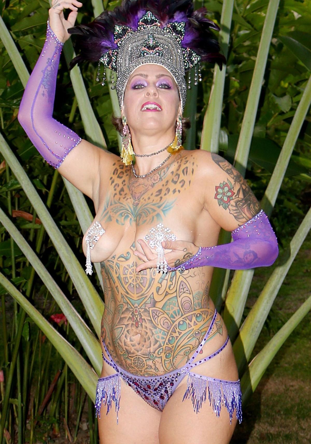 American Pickers Danielle Trixie Nude Pics In Hd