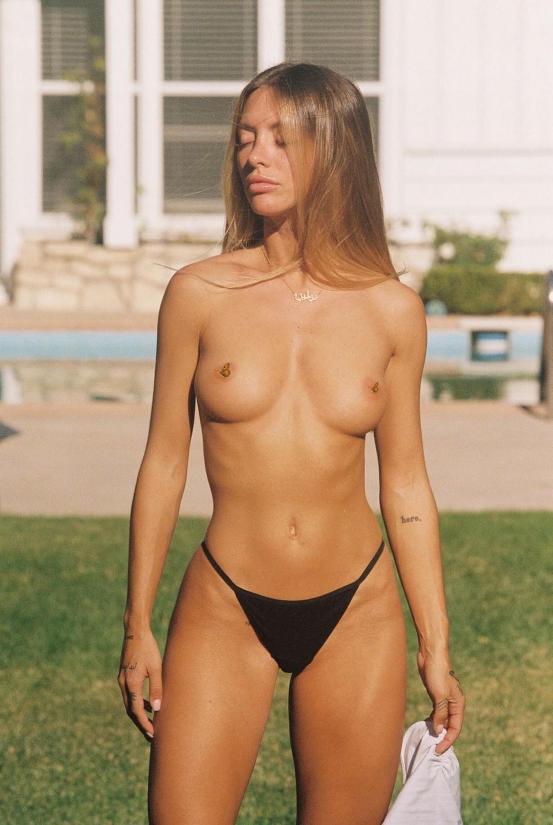 polina-paulina-bikini-boobs-transexual-tube-porno