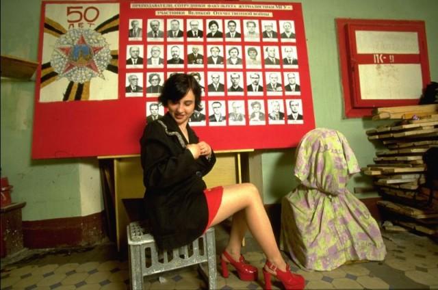 Удивительные снимки русских девушек 1990-х годов С миру по нитке