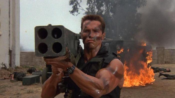 А мог бы Шварценеггер выстрелить сразу из всех стволов С миру по нитке