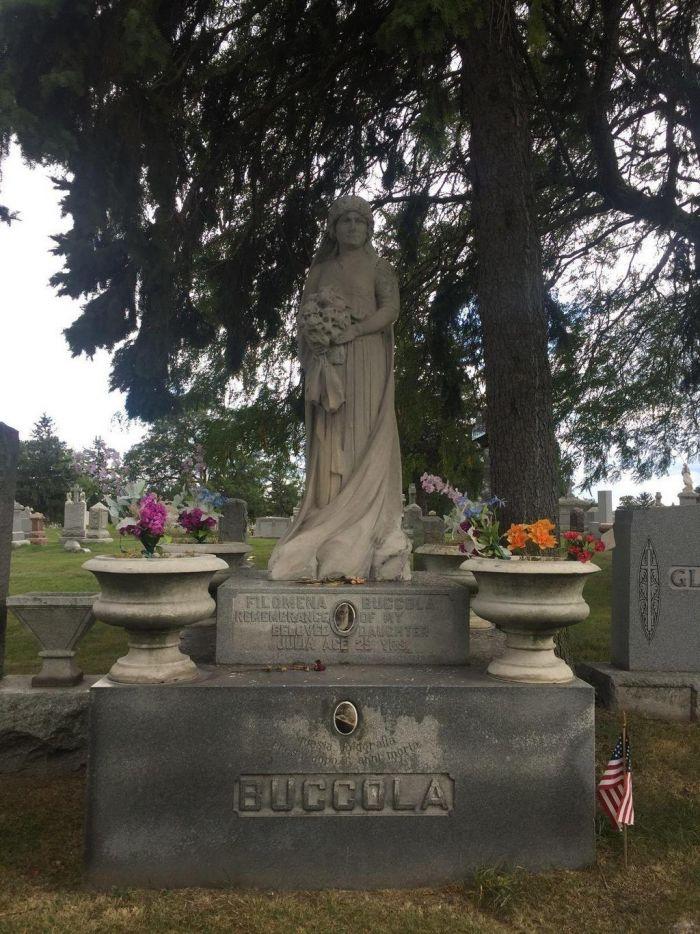 Загадка нетленного тела Джулии Петта С миру по нитке