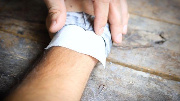 Как сделать латную перчатку своими руками Как это сделано