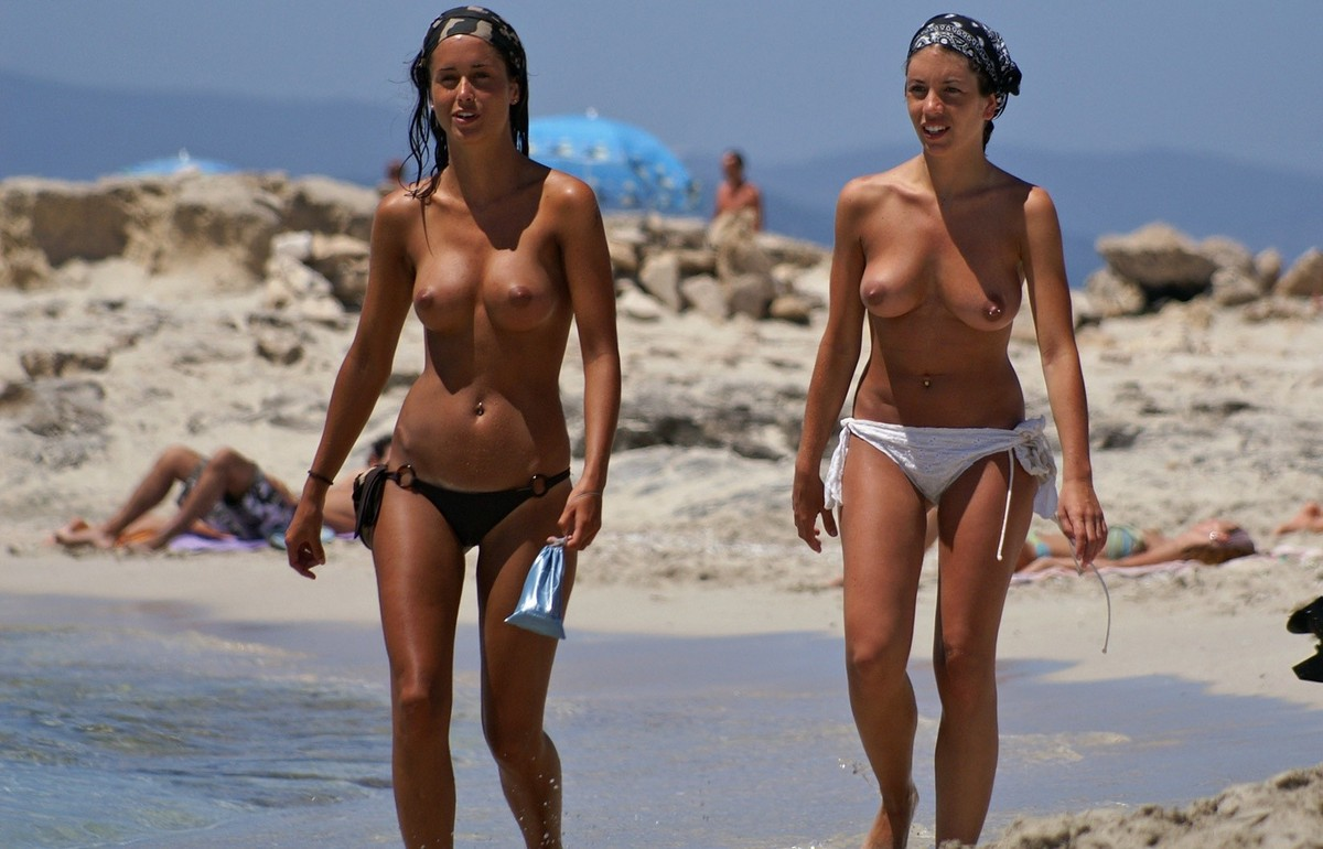 Bare breasts on french beaches