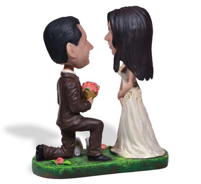 Романтичный россиянин сделал предложение возлюбленной, сломав ей зуб С миру по нитке