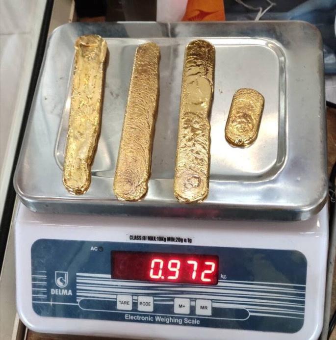Почти килограмм золота из задницы С миру по нитке