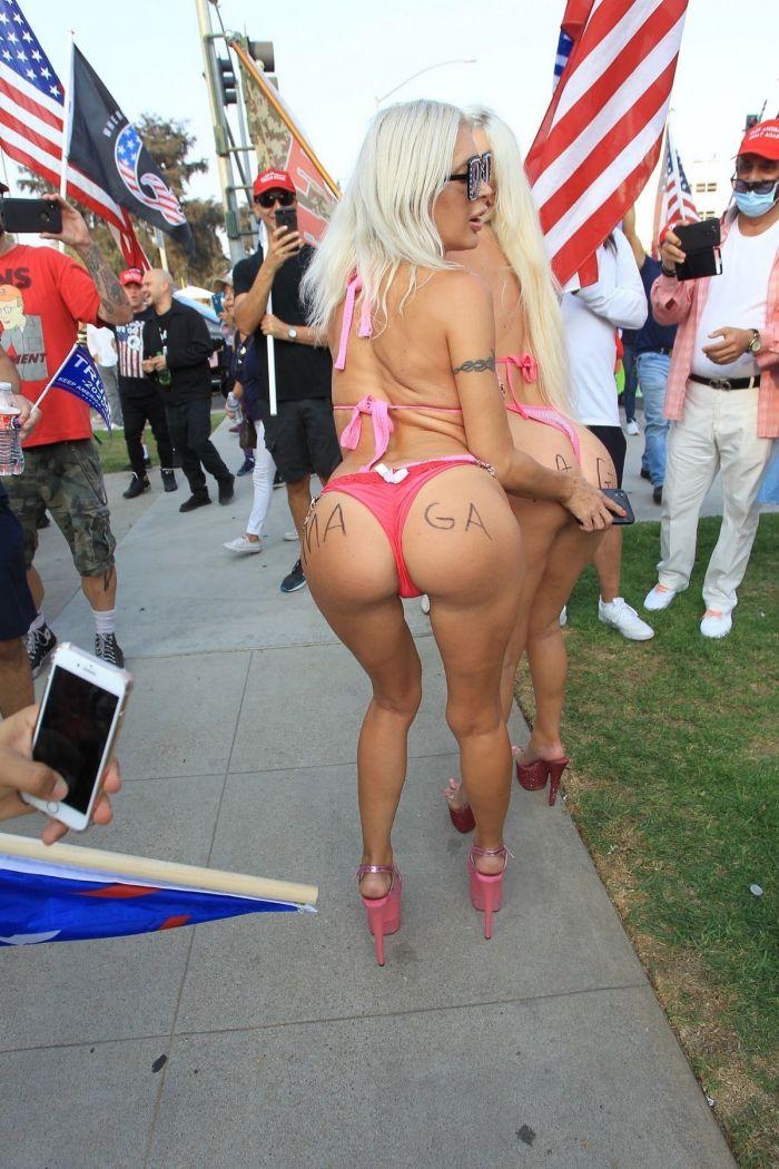 """45-летняя французская телеведущая """"Френчи"""" Морган  и порноактриса Тиффани Мэдисон  на митинге в поддержку Трампа Много девушек (+18)"""
