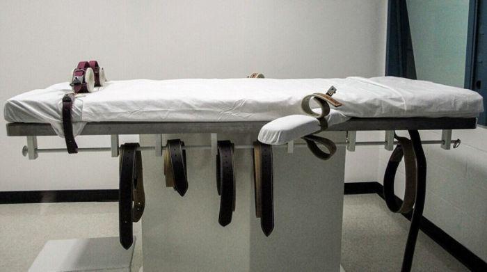 В США решили возобновить смертную казнь для женщин на федеральном уровне С миру по нитке